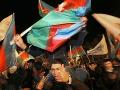 V Azerbajdžane to vrie: Ľudia protestovali, polícia ich bila a zatýkala