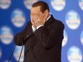 Koniec Berlusconiho? Vylúčili ho zo Senátu, prišiel aj o imunitu!