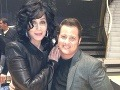 Cher so svojou dcérou, ktorá podstúpila zmenu pohlavia a dnes je z nej Chaz Bono.