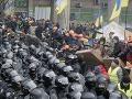 Kyjev sa chystá na provládnu i protivládnu demonštráciu: Dôjde k stretu?