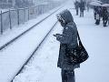 Spojené štáty bojujú so snehom: Snehová búrka odstrihla od elektriny takmer milión ľudí