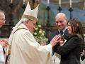 Pápež František: Hlava cirkvi prelomila ďalší predsudok ľudstva!