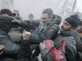 Demonštranti napadli aj boxera Klička.