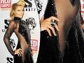 Paris Hilton šokovala bez nohavičiek: Veď jej vykúka holý rozkrok!