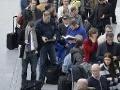 Leteckú dopravu znova komplikujú štrajky: Koľko letov zrušili?