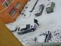 VIDEO: Šmýka sa? Určite nerobte to, čo tento vodič!