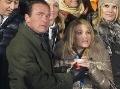 Schwarzeneggerovi kondícia nechýba: Stále ženatý s brunetou, po boku sexi blondína