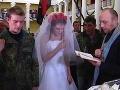 Láska medzi barikádami: Protestovali v Kyjeve, teraz sú z nich manželia
