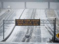 Silné sneženie trápi Nemecko a Rakúsko: Mníchovské letisko zrušilo 90 letov, hrozia lavíny
