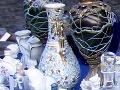 Návštevník múzea rozbil vázu za milión: Zatkla ho polícia