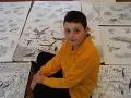 Zázračný chlapec maľuje nádherné obrázky iba voľnou rukou: Jeho diela obleteli svet!