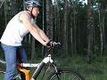 Cyklisti by si mali