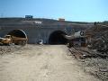 Diaľnica D1 medzi Popradom a Prešovom o niečo bližšie. Prerazili nový tunel!
