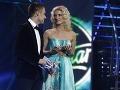 Adela Vinczeová, vtedy ešte Banášová, a Leoš Mareš v roku 2009 ako moderátori SuperStar.