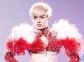 Poznáme pravý dôvod extravagantného správania Miley Cyrus!