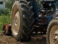 Hrôzostrašná nehoda v Terchovej: Traktor privalil muža, pomáhali mu leteckí záchranári