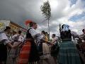Košice oslavujú vo veľkom: Jubilejné slávnosti začali stavaním mája