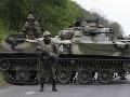 Z juhovýchodu Ukrajiny je vojnová zóna: Armáda poslala na separatistov vrtuľníky a tanky!