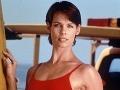 Alexandra Paul ako hviezda Pobrežnej hliadky