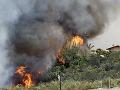 Kaliforniu zachvátili lesné požiare: Obvinili muža (57)