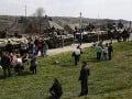 Putin prikázal stiahnutie vojakov z ukrajinských hraníc