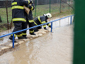 Pozor, SHMÚ varuje pred povodňami z prívalových zrážok v 12 okresoch!