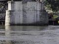 Búranie Starého mosta pozastavili: Pod hladinou môžu byť nevybuchnuté bomby!