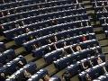 V europarlamente bude mať najviac kresiel pravica: Na väčšinu potrebuje socialistov!
