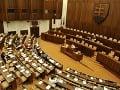 Do parlamentu dnes nastúpili náhradníci za europoslancov