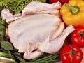 Všetci to robia, no vystavujú sa nebezpečenstvu: Neumývajte kura pred pečením!