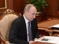 Putin sa rozprával s Merkelovou a Hollandom o rizikách sporu o plyn