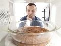 Ako zabrániť pohrome v kuchyni: Veci, ktoré nikdy nedávajte do mikrovlnky!