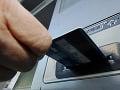 Češky okradli Bratislavčanku, chceli jej vybieliť bankomat