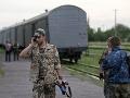 Vlak s telami obetí leteckého nešťastia je na ceste do Charkova