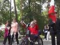 Gesto, ktoré chytí za srdce: Francúz (66) sa kvôli pradedovi pripútal na invalidný vozík!