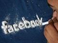 Závislosť na Facebooku je väčšia než závislosť na fajčení, varujú vedci