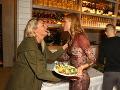 Mária Čírová sa pozdravila aj s Adelou Banášovou.