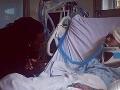 Stáli pri ňom všetci svätí: Spevák bol po kolapse na koncerte tri dni v kóme!