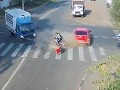 Tento cyklista má nad sebou všetkých svätých: VIDEO, ako dvakrát v momente oklamal smrť!