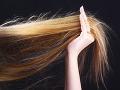 Indická polícia rieši bizarné prípady: Páchatelia omráčeným ženám odstrihnú vlasy