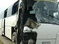 Pri havárii sa zranilo osem ľudí
