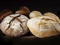 Koniec s drobiacim sa chlebom: Triky, ako vydrží dlho čerstvý!