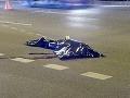 Muž ležal na ceste, narazil do neho policajt