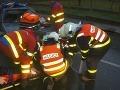 FOTO Vážnej nehody v Česku: Malý cyklista (11) ostal zakliesnený v čelnom skle auta!