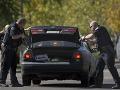 Chceli ho iba skontrolovať: Muž zastrelil dvoch policajtov a utiekol