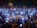 Násilie nevedie k ničomu, vyhlásil Fidesz po útoku demonštrantov