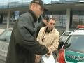 Obvinený policajt Tiefenbach zostáva za mrežami v Leopoldove
