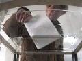 Voľby v Česku neplatné: Budú ich opakovať kvôli kupovaniu hlasov