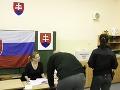 Otvorenie volebných miestností počas komunálnych volieb 2014