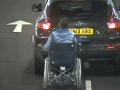 VIDEO Ako za sebou Maria ťahala kamaráta na invalidnom vozíku: Neminul ju poriadny trest!